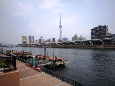 Blick auf den Tokyo Sky Tree von Asakusa aus