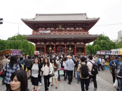 Immer gut besucht: der Tempel Senso-ji in Tokyo
