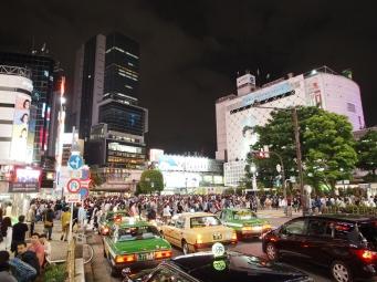 Tags wie nachts immer viel los: Shibuya Crossing