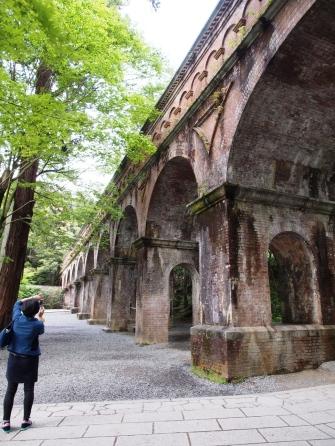 Im Garten des Nanzen-ji ist ein altes Aquädukt erhalten