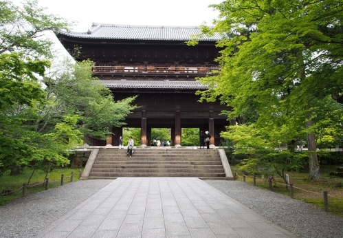 Das eindrucksvolle Tor vom Nanzen-ji, Kyoto